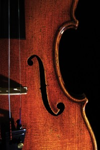 the_old_violin_by_jesseoffy-d4l47sw